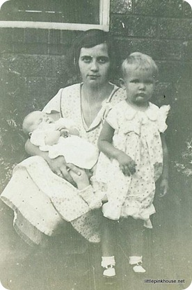 my great grandma Alma Leona with two of her children