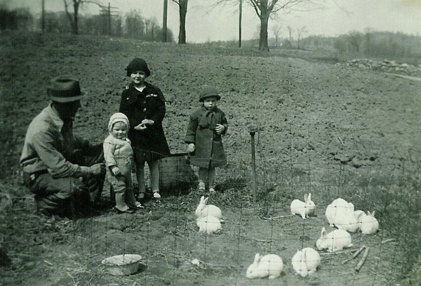Herbert with daughters Mary, Miriam, and Lois (Ohio, 1936)