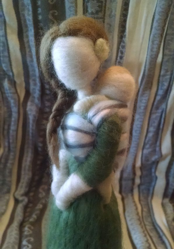 Jenny of Radish Wool Works creates beautiful handmade figures from local wool. With an emphasis on motherhood and babywearing figures, she has both ready-to-ship figures as well as custom packages that allow you to pick the color and style of the clothing, hair, and, of course, the baby carrier.